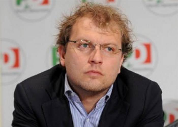 Luca Lotti non è in grado di ricoprire un incarico pubblico, perché è ancora ministro?