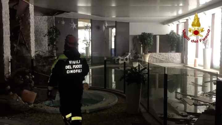 Trovati superstiti tra le macerie dell'Hotel Rigopiano