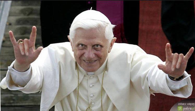 """Ratzinger: sono riuscito a sciogliere la """"lobby gay"""" in Vaticano"""
