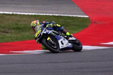 Rossi prova ad esserci al GP di Aragon: oggi altri test a Misano