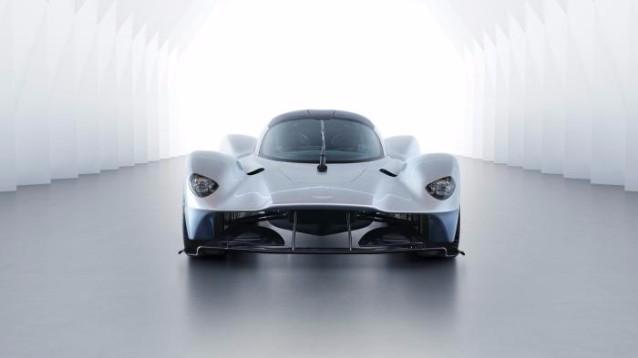 Aston Martin Valkyrie, una monoposto da F1 concepita per la strada