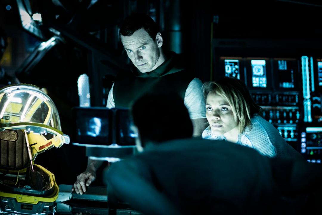 Alien: Covenant è un film su cui pesano tutti gli episodi precedenti della saga e anche le aspettative per il futuro. Ecco la nostra recensione in anteprima!