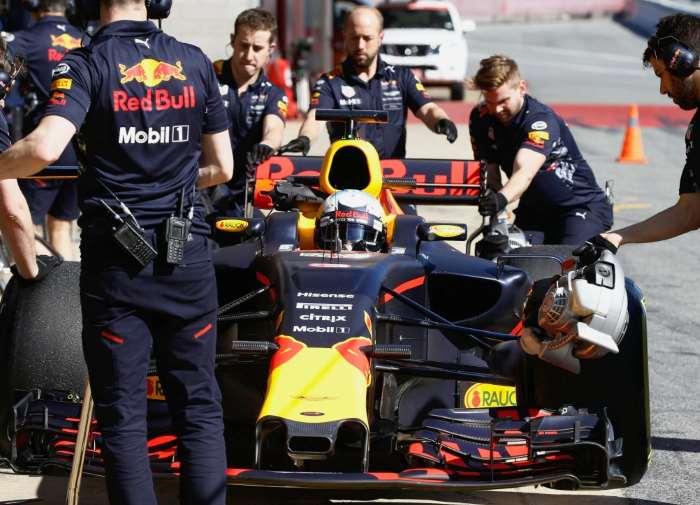 Formula 1 2017. Ricciardo vince un rocambolesco Gran Premio dell'Azerbaijan