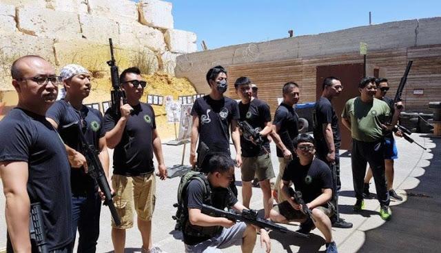 """Il """"terror camp"""" fa turismo in Israele: impara ad uccidere il terrorista arabo"""