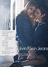 Calvin Klein Jeans: flirt digitale nella nuova campagna sexy